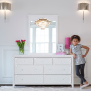 CRAFT-3OVER4-DRAWER-DRESSER-MIRROR-WHITE-CLEAR-CRYSTAL-KNOBS-GIRL-LEANING