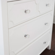 CRAFT-2OVER2-DRAWER-DRESSER-CLEAR-CRYSTAL-KNOBS-CLOSEUP
